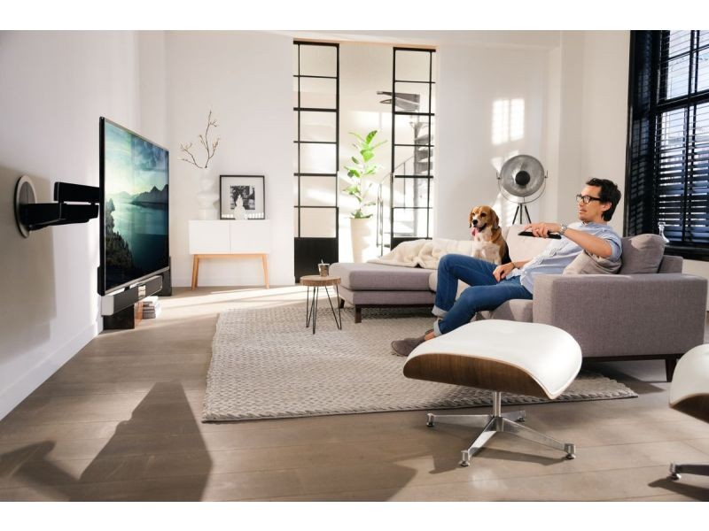 elektrisch schwenkbare tv wandhalterung soundbar vogels. Black Bedroom Furniture Sets. Home Design Ideas